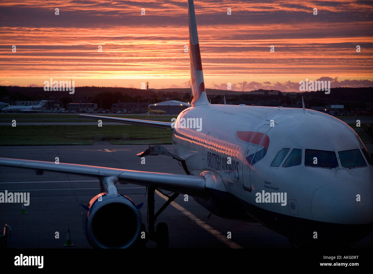 Aube sur British Airways Airbus A319-131 G-MPUE Cran-gevrier (21451) avion à l'aéroport d'Aberdeen, Photo Stock