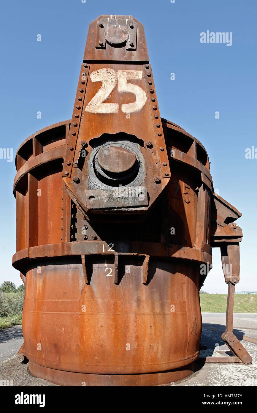 La coulée de l'acier rouillé louche, comme objet d'art ancien de l'OTAN, de missiles hombroich, Photo Stock