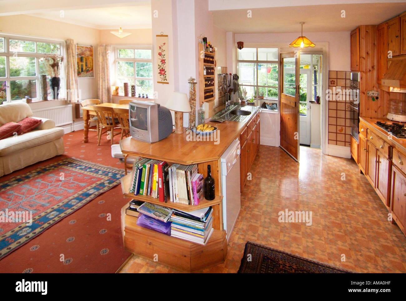 Livre Architecture D Intérieur pays cuisine salon salle à manger canapé dîner plat de