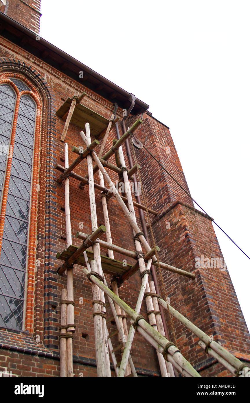 altes kirchenbau holzgeruest historique vieux bâtiment d'église d