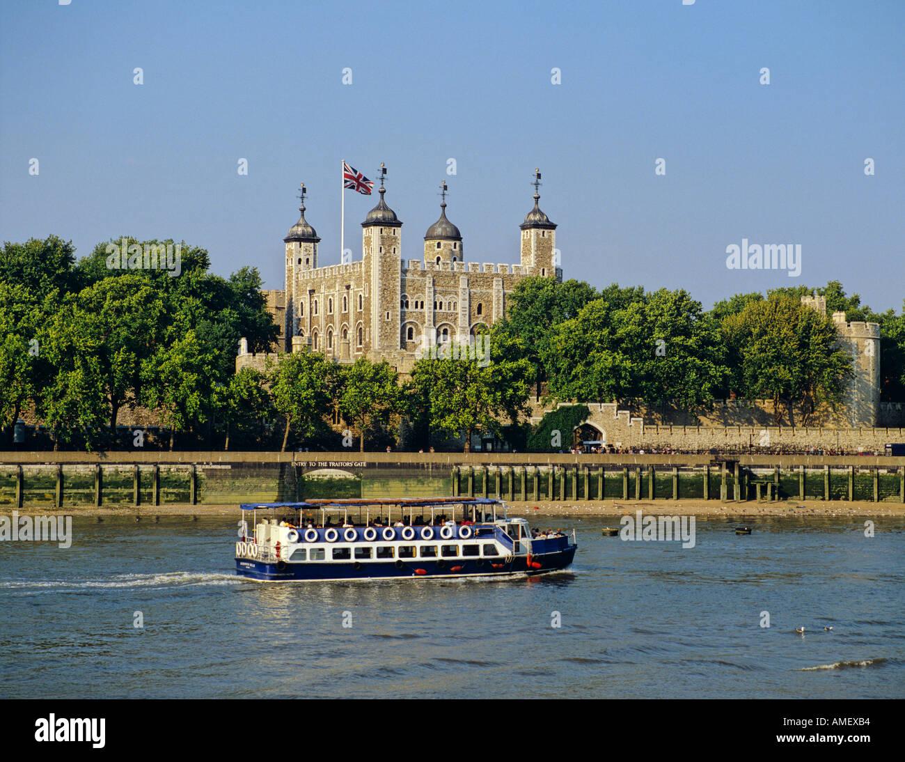 La Tour de Londres et la Tamise Londres Royaume-Uni Photo Stock