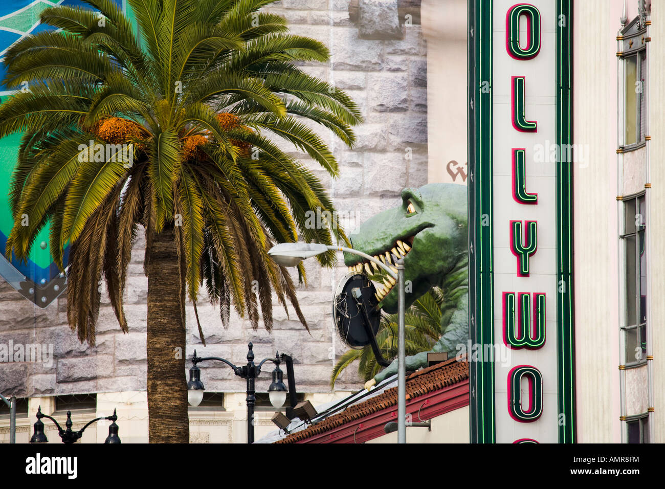 Highland Ave montrant à la fois le musée d'Hollywood et Ripley s croyez-le ou non Photo Stock