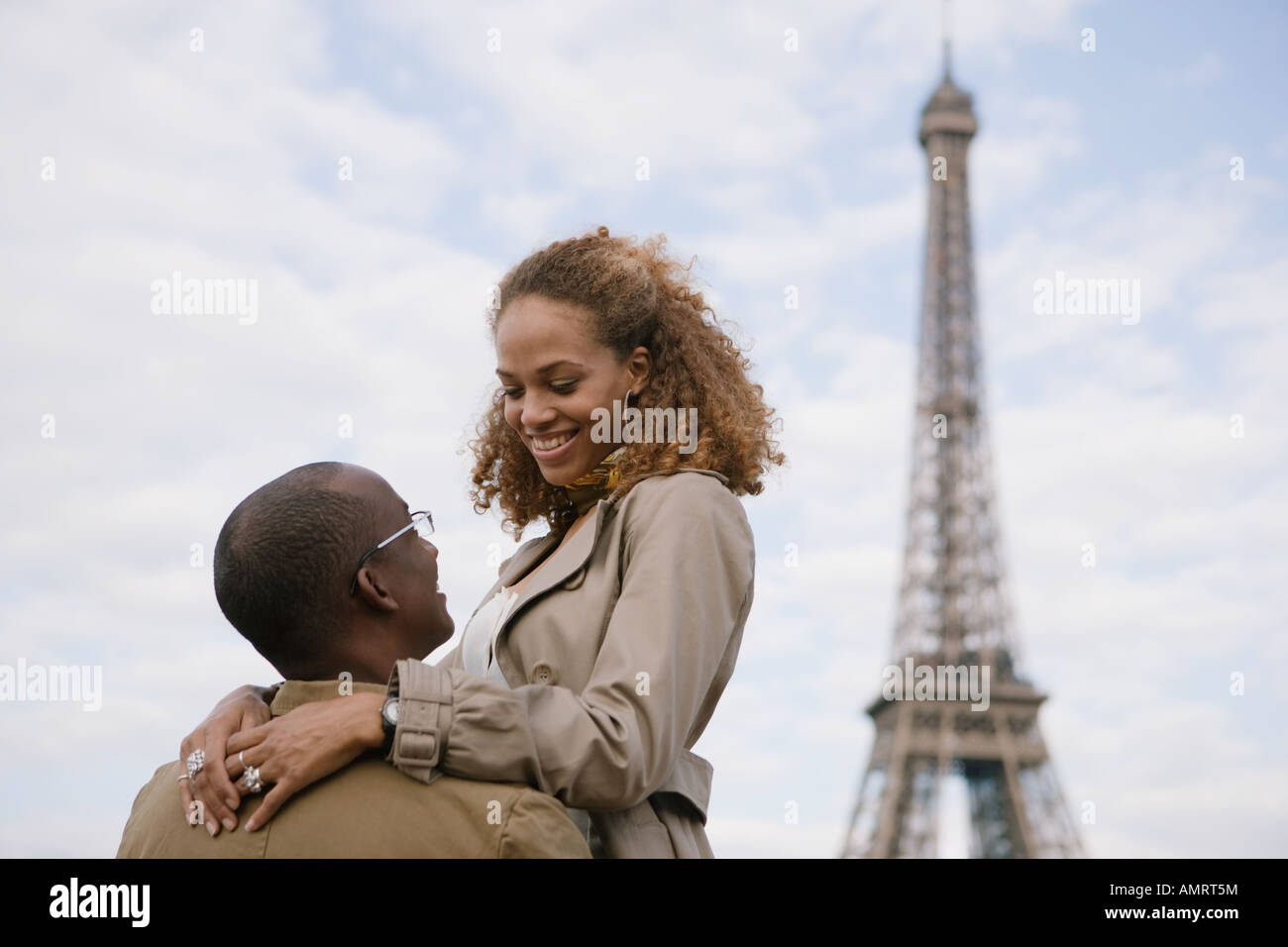 African couple smiling at each other Banque D'Images