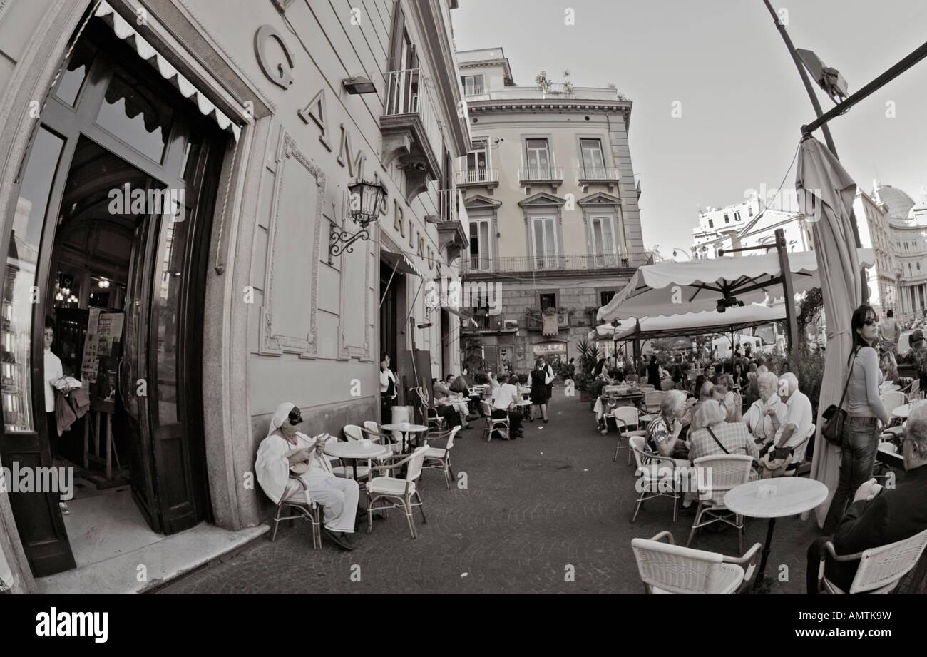 Gambrinus Napoli Naples Campanie bw monochrome café napolitain historique Banque D'Images