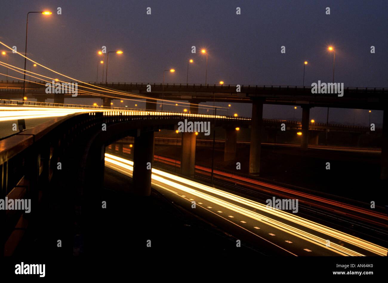 L'autoroute nationale Pays-bas Hollande Amsterdam La Haye et Rotterdam neon light night Banque D'Images