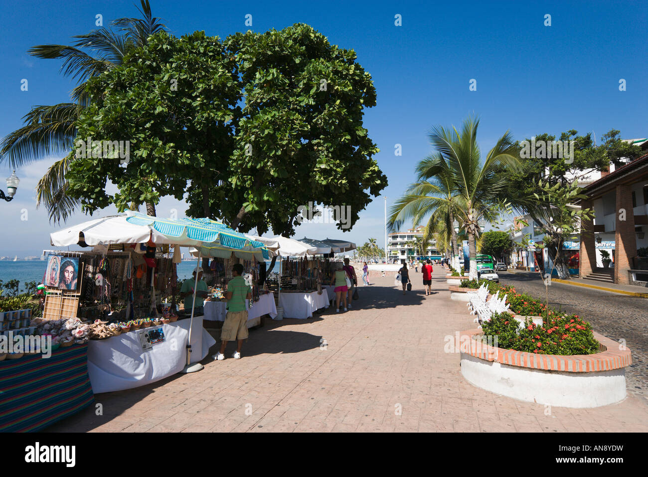 Les étals du marché, front de Malecon, vieille ville, Puerto Vallarta, Jalisco, Mexique Photo Stock