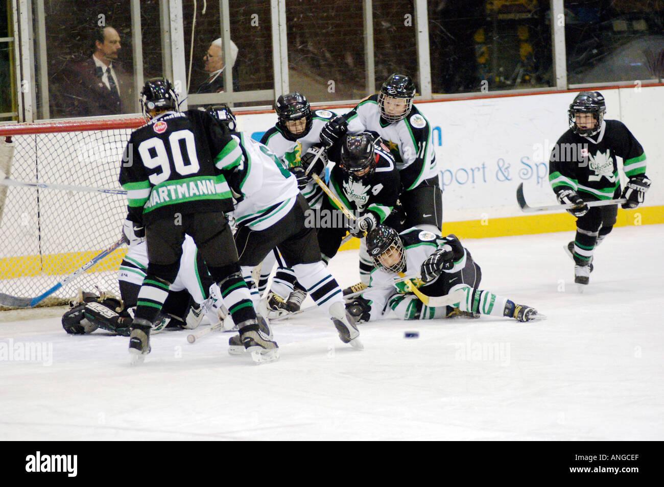 Tournoi de hockey sur glace International Silver Stick action séries éliminatoires de hockey à Port Photo Stock