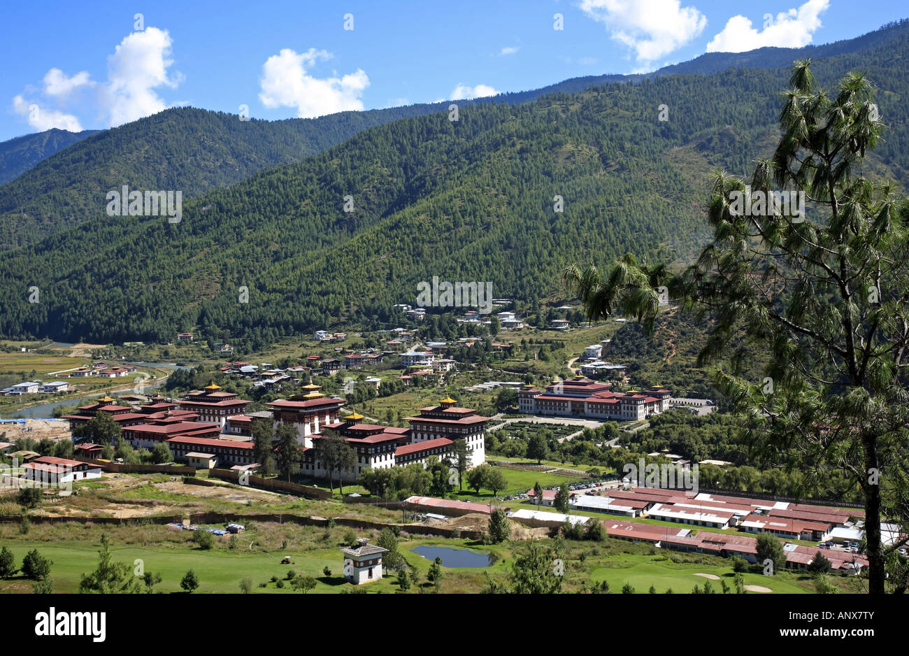 Vue sur le monastère Tashichho-Dzong, Bhoutan, Thimphu Photo Stock