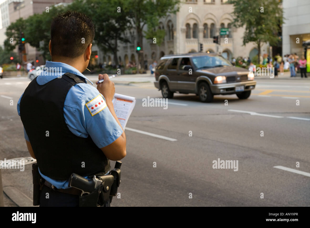chicago police officer photos chicago police officer images alamy. Black Bedroom Furniture Sets. Home Design Ideas