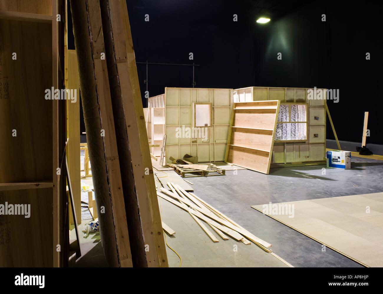 Décor en bois fixe dans un studio de télévision Angleterre UK Photo Stock