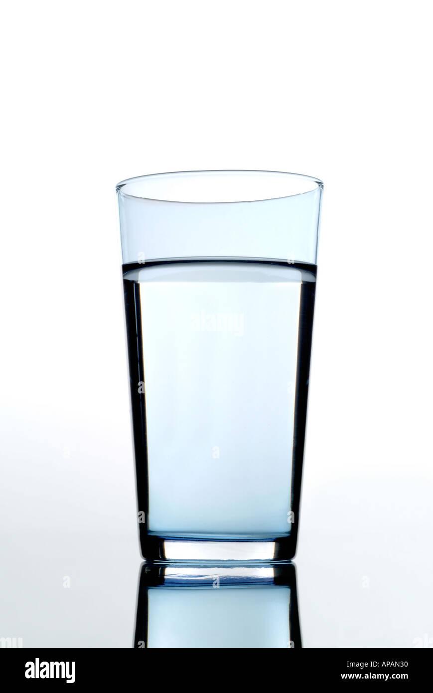 L'eau minérale Mineralwasser Photo Stock
