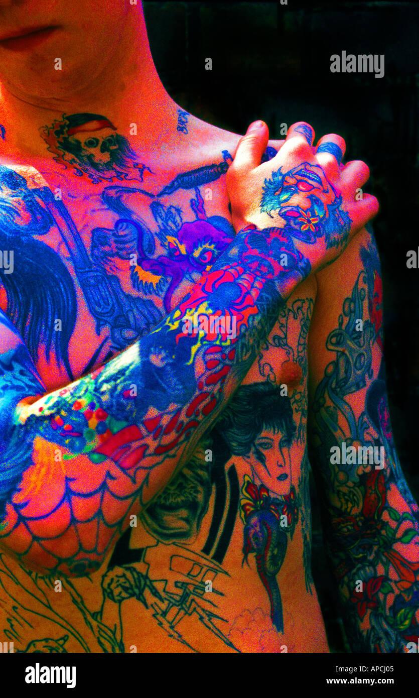 Body Art , torse couvert de tatouages Amans Photo Stock