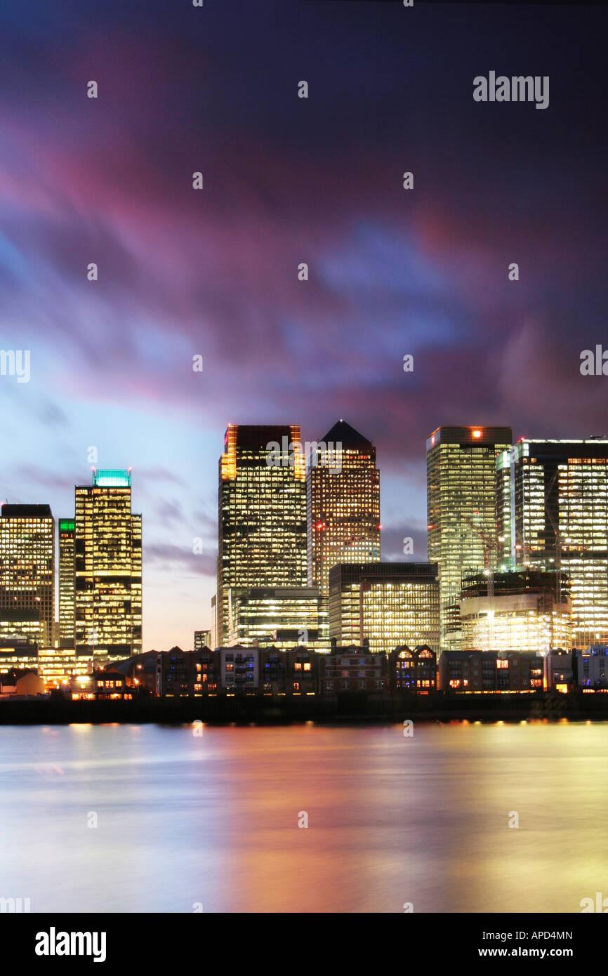 Nuit à Canary Wharf Photo Stock