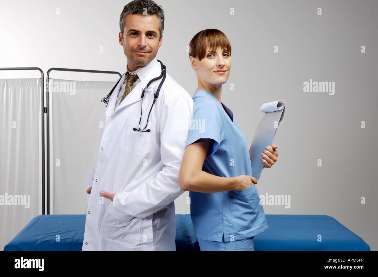 Les médecins hommes et femmes Photo Stock