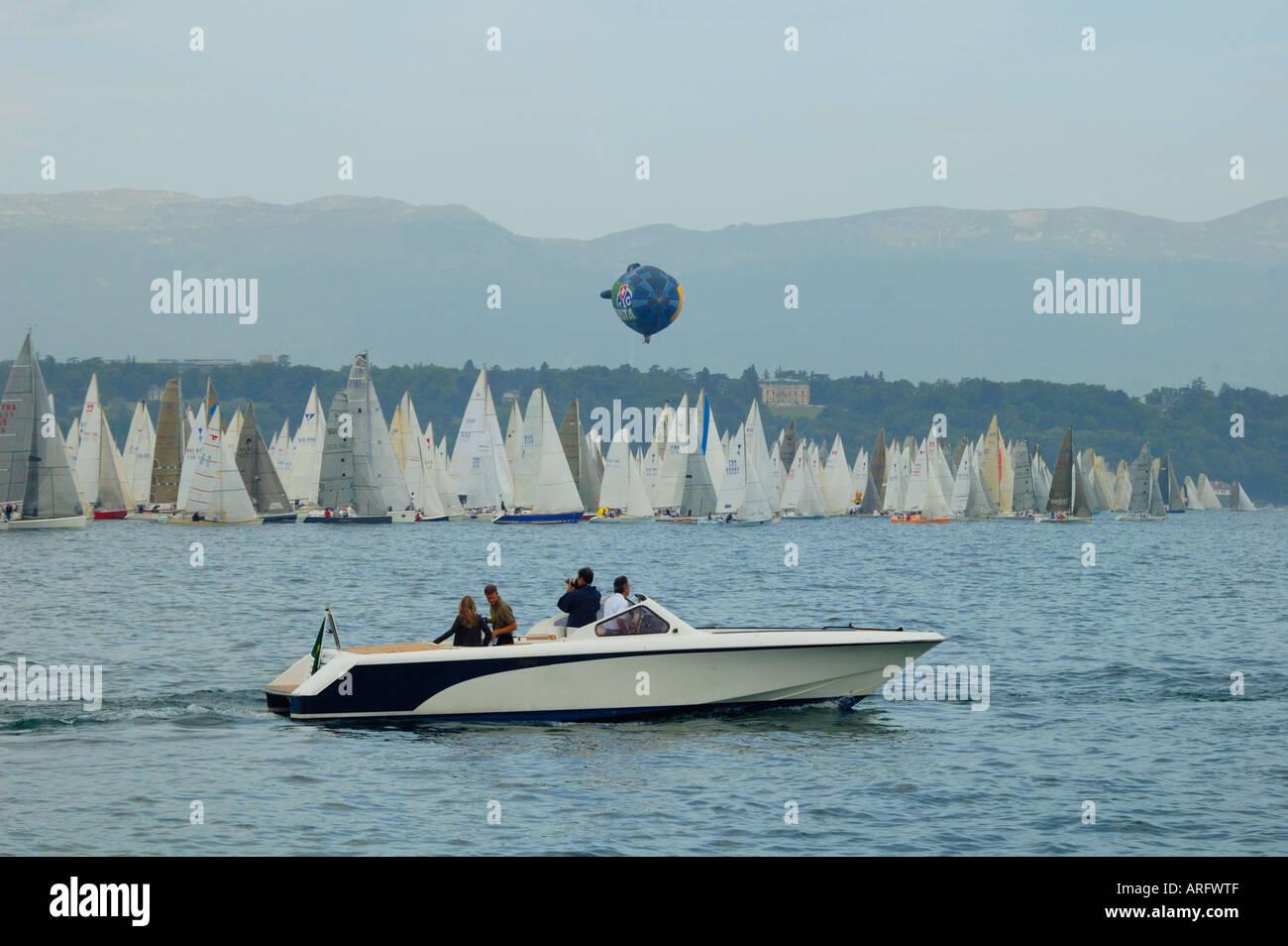 Le bateau officiel au Bol d'Or yacht race, Genève, Suisse, 2006 Photo Stock