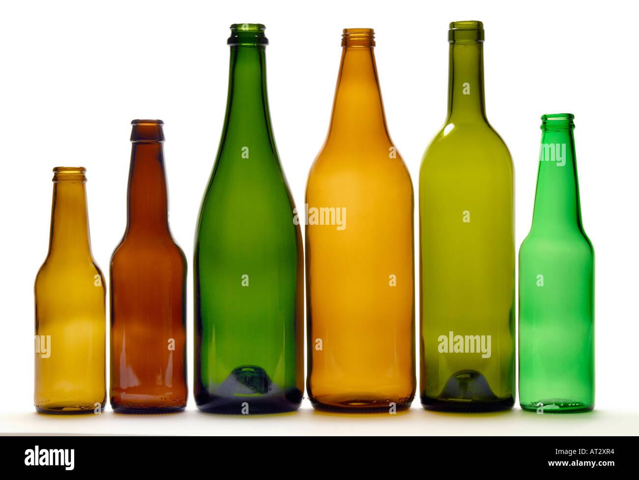 bouteilles vide de recyclage du vin de la bi re et des bouteilles de champagne couleurs. Black Bedroom Furniture Sets. Home Design Ideas