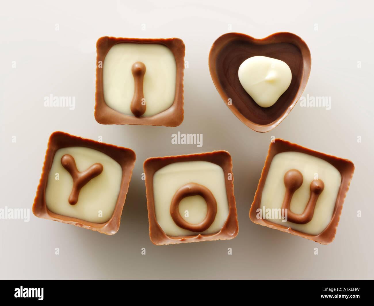 Je t'aime message pour la fête des mères, Saint Valentin ou pour un anniversaire - Chocolats Photo Stock
