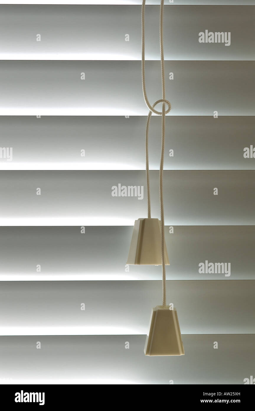 Des cordons de stores vénitiens Détail Fenêtre tire Photo Stock