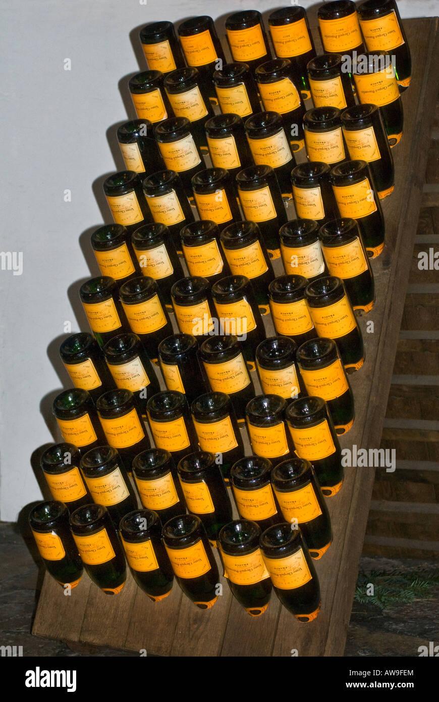 Cave À Vin Palette des bouteilles de champagne dans stillage palettes palettes