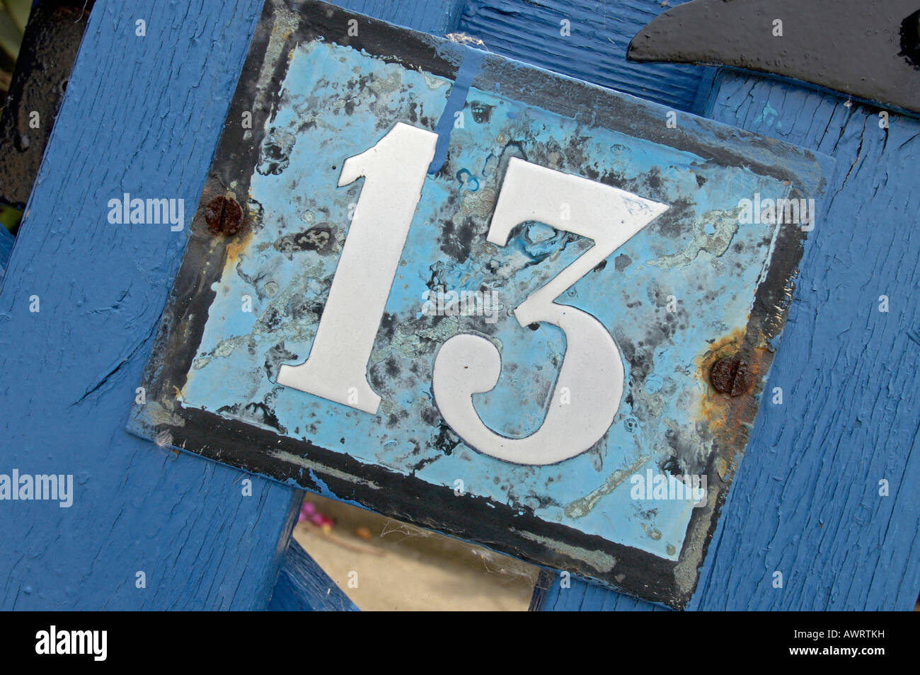 Signe pour numéro de maison 13 13 la superstition et la mauvaise chance Photo Stock