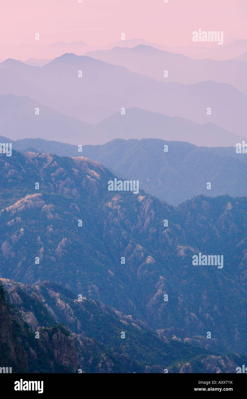Nuage Blanc scenic area, Huang Shan (montagnes jaunes), l'UNESCO World Heritage Site, Anhui Province, China, Photo Stock