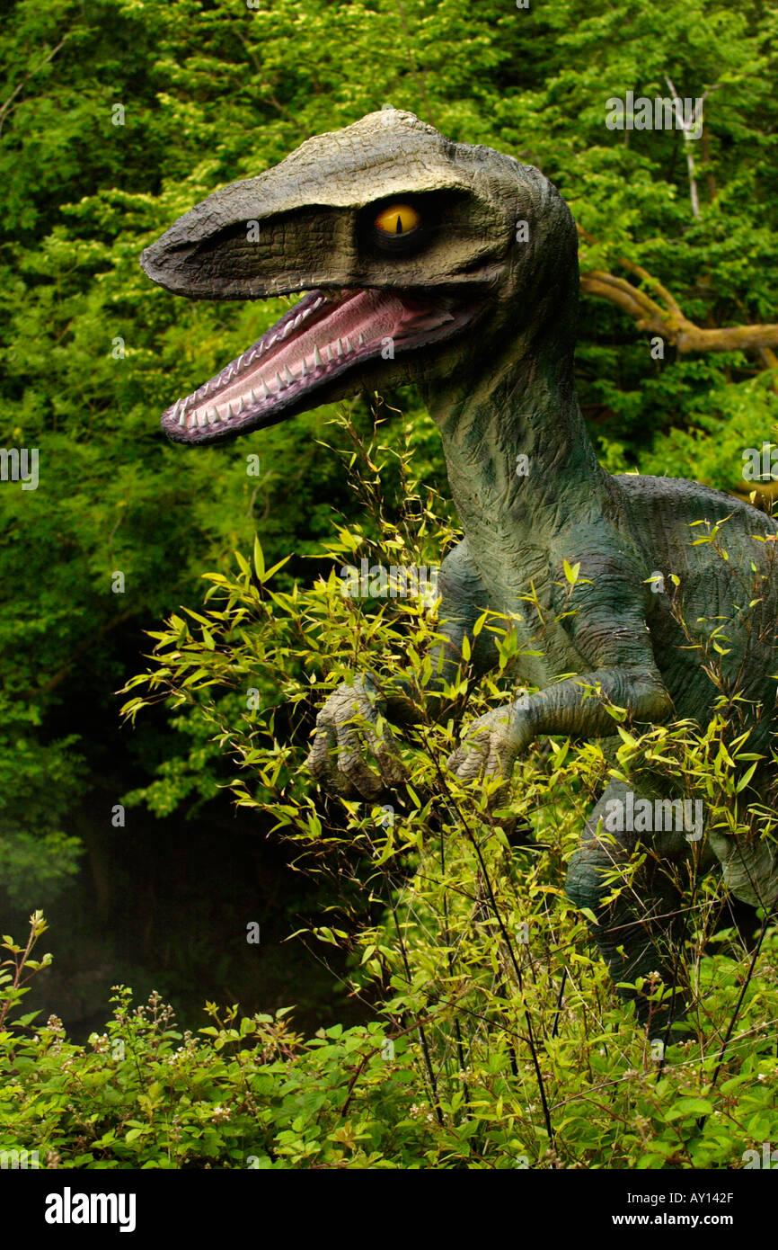 Plus grand monde à dinosaur park Dan yr Ogof Grottes dans le Parc National des Brecon Beacons au Pays de Galles, UK 55 dinosaures grandeur nature Banque D'Images