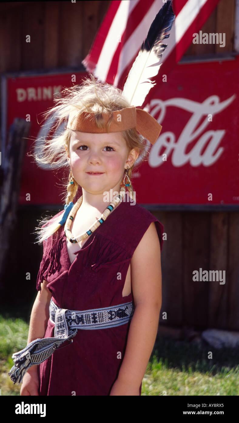 MR 0340 Sarah Pethick costumés est comme une princesse indienne, à Miner's Day in White Oaks, Nouveau Mexique. Banque D'Images