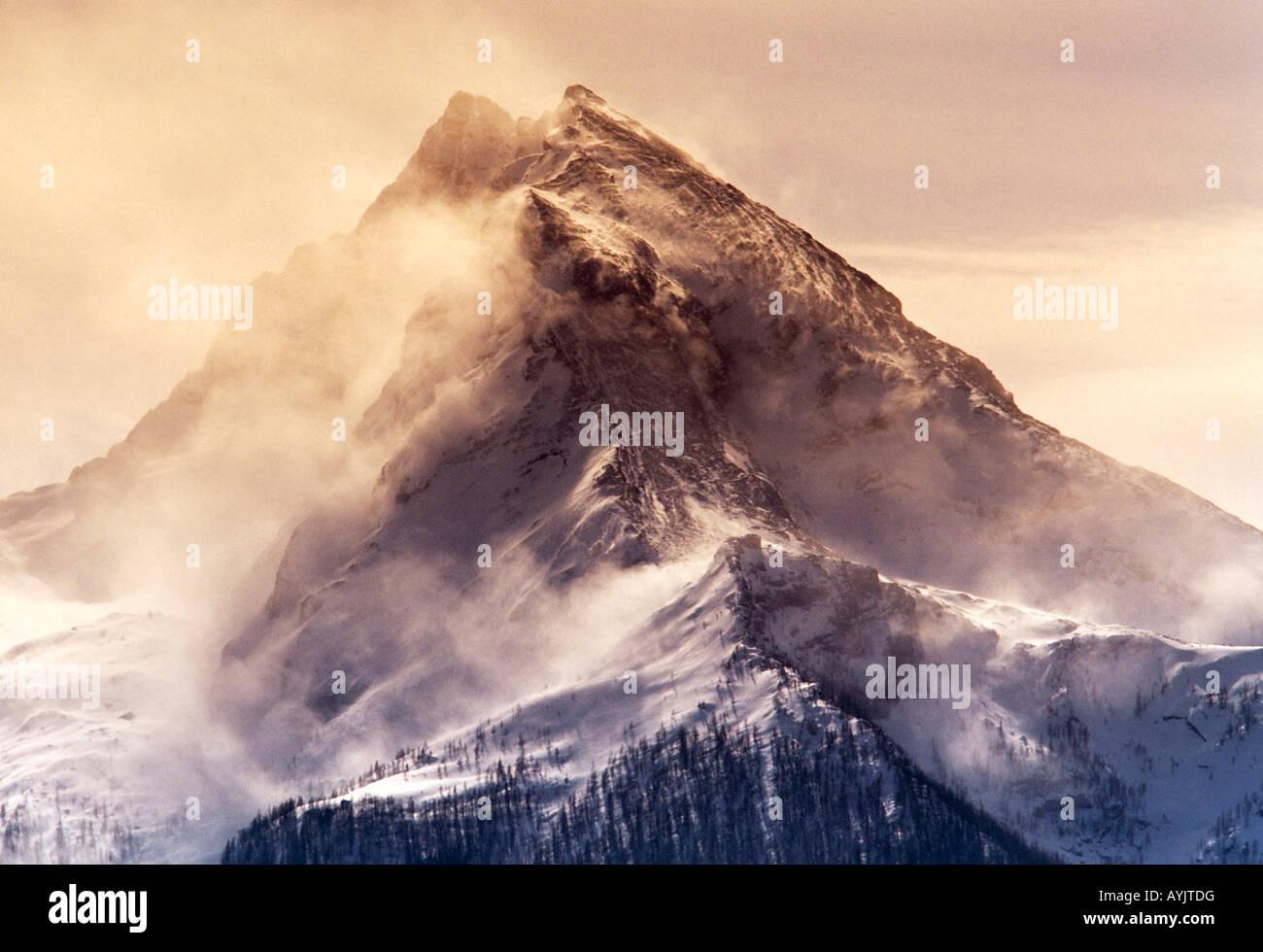 La montagne Watzmann (2713 m) dans la tempête de neige Photo Stock