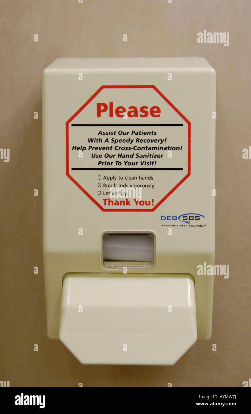 Distributeur de désinfectant désinfection à l'hôpital Banque D'Images