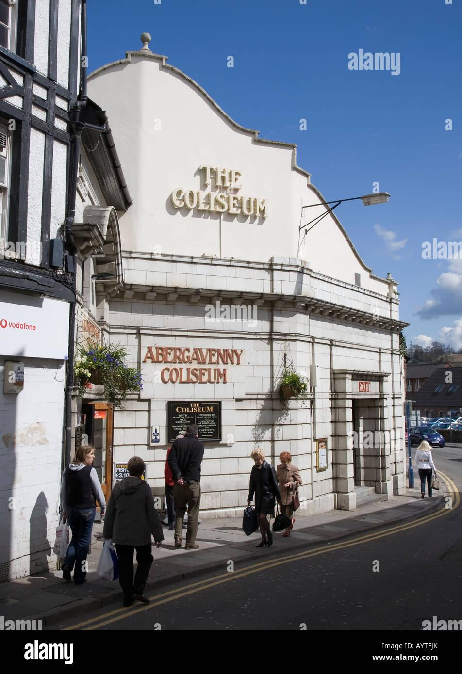 Ancien cinéma transformé en pub et cafe Abergavenny Wales UK Photo Stock