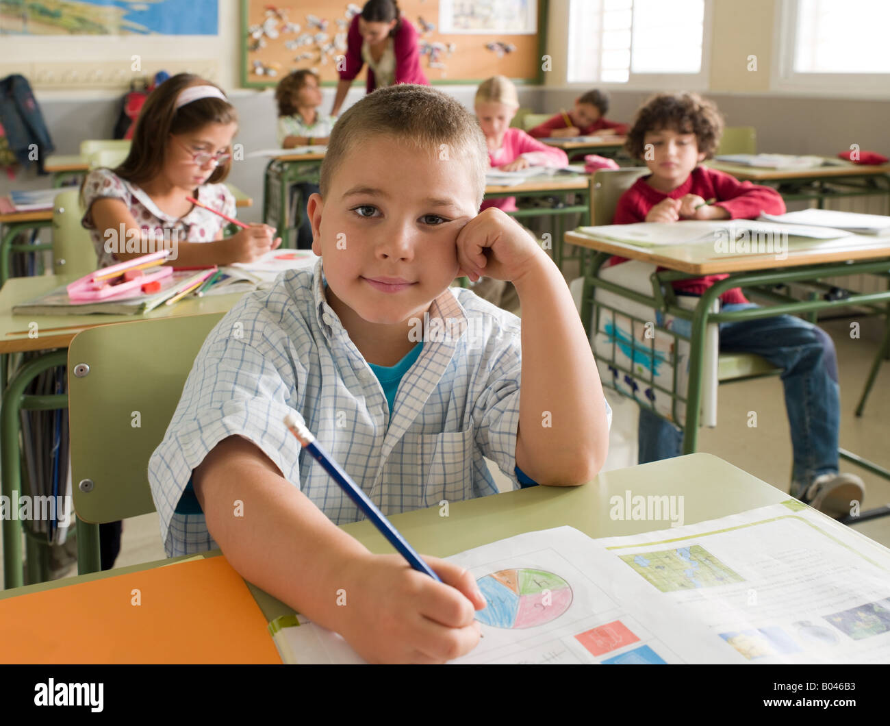 Portrait d'un garçon dans la classe Photo Stock