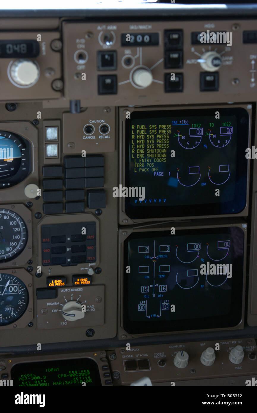 Tableau De Bord De Boeing 767 Avion Photo Stock Alamy