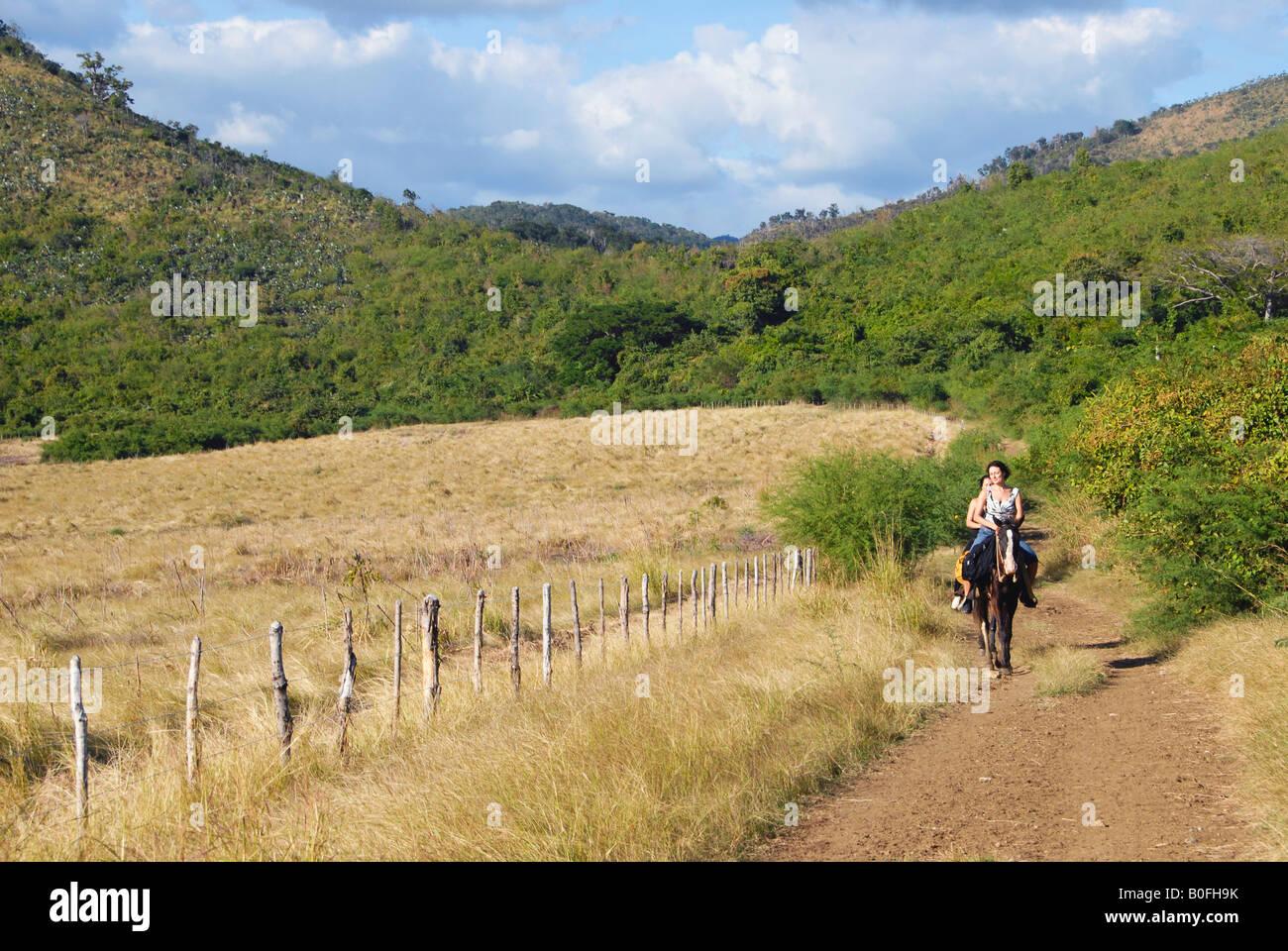 Les touristes sur l'Trinidad Cuba Photo Stock