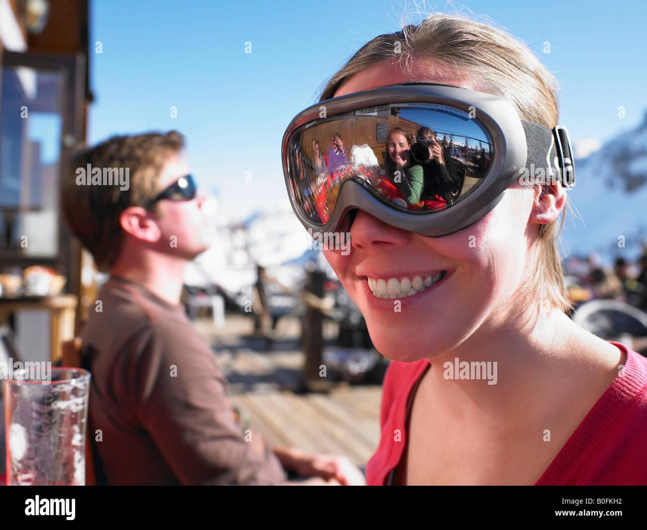 Jeune femme à lunettes Banque D'Images