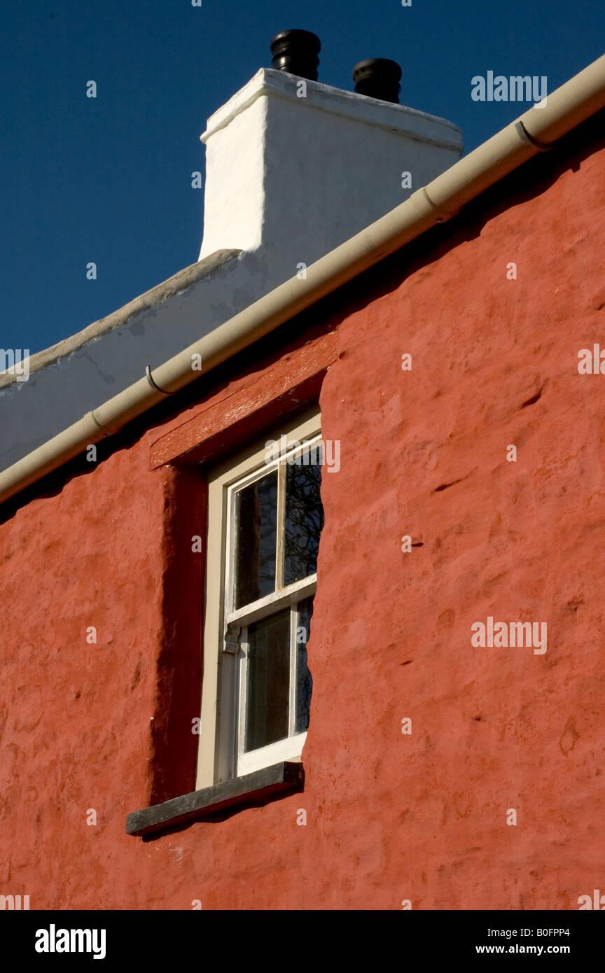 Cottage gallois fenêtre dans sunshine Banque D'Images