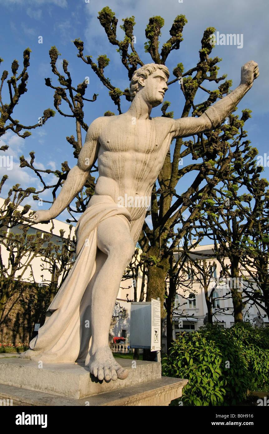 Sculpture par Ottavio Mosto, daté 1690, scène de la mythologie grecque, Jardin Mirabellgarten, Salzburg, Photo Stock
