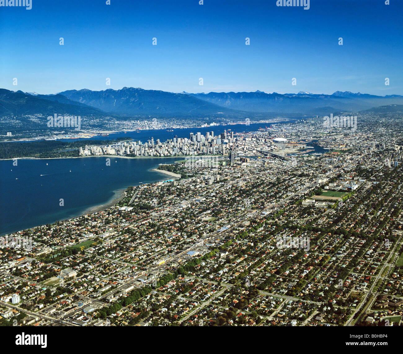 Vancouver, Aerial view, centre-ville avec Stanley Park, British Columbia, Canada Photo Stock