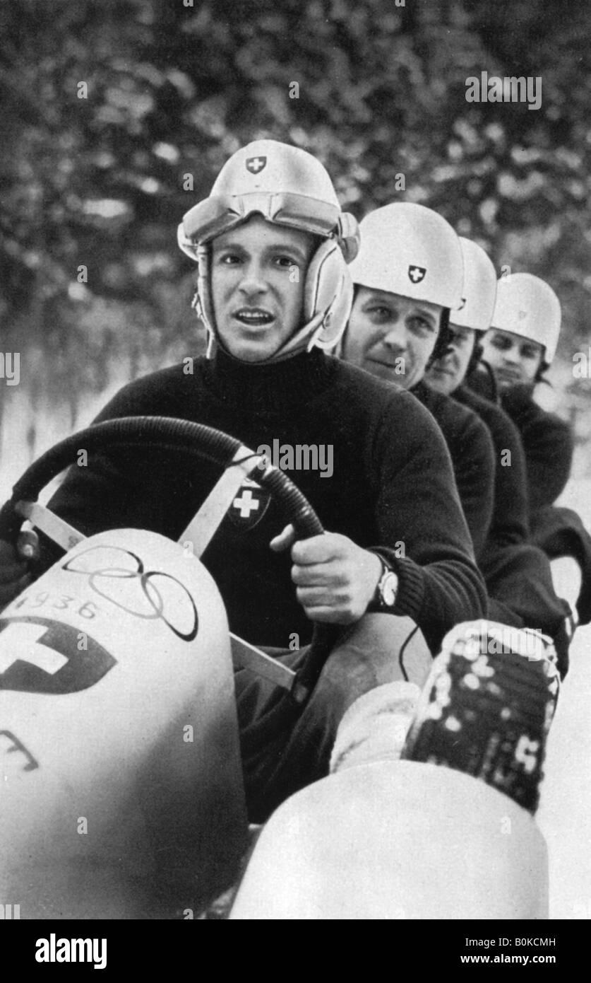 L'équipe suisse de bobsleigh, quatre Jeux olympiques d'hiver, Garmisch-Partenkirchen, Allemagne, 1936. Photo Stock