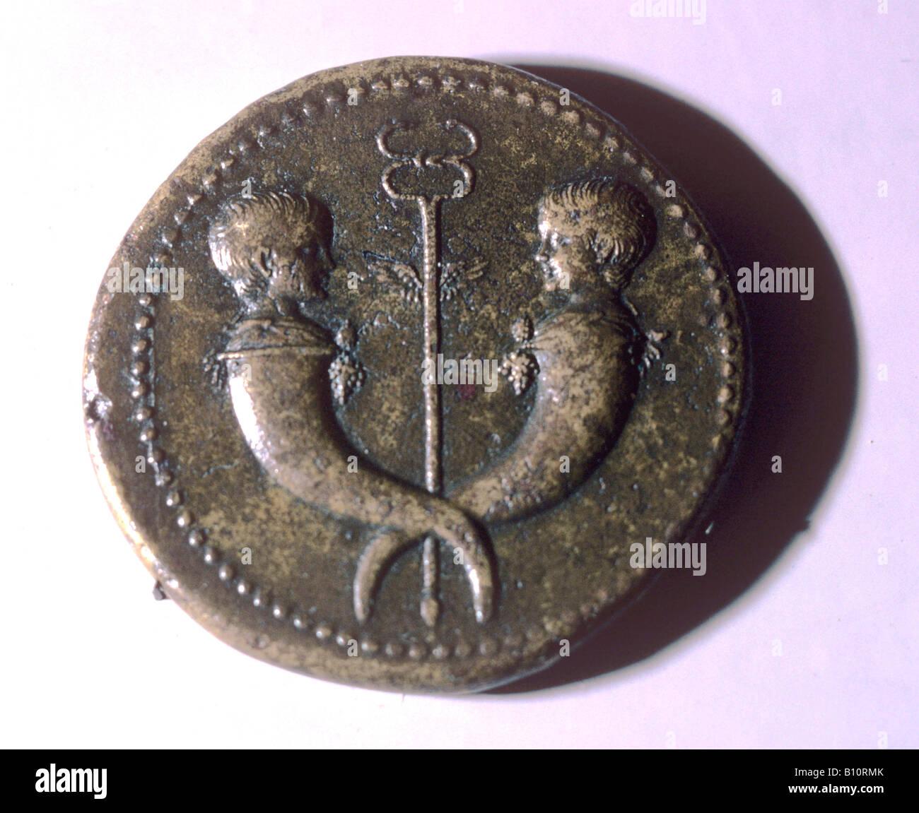 Pièce de monnaie romaine, Tibère et Germanicus. Photo Stock