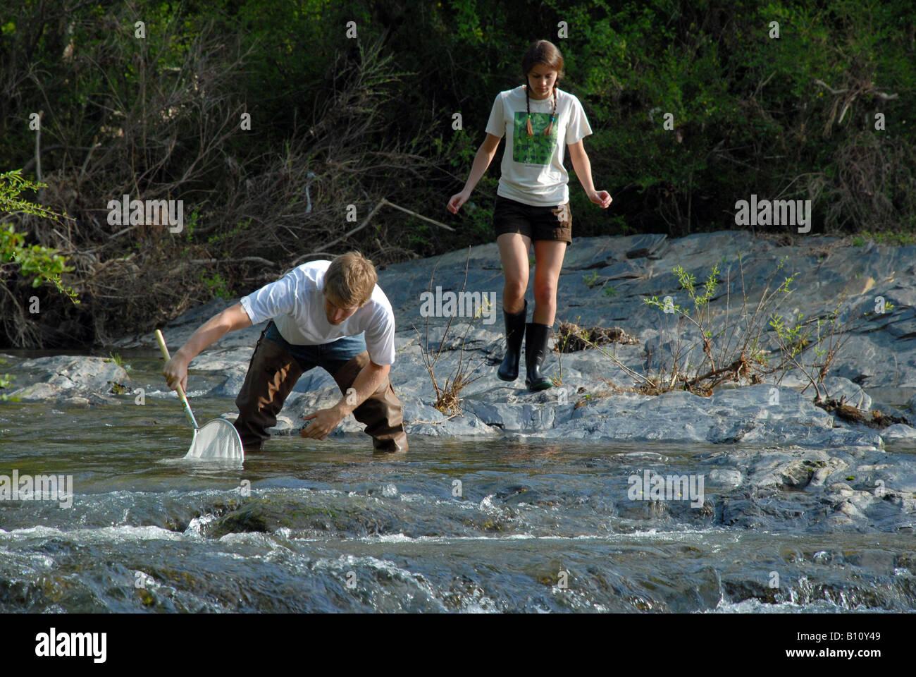 Les élèves de l'école des sciences de l'environnement Photo Stock