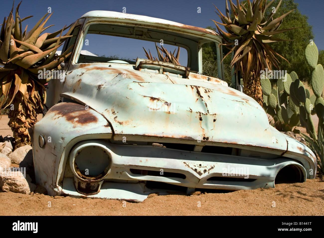 L'un d'un certain nombre de véhicules à l'ouest de l'Afrique du Sud Namibie Solitaire Photo Stock