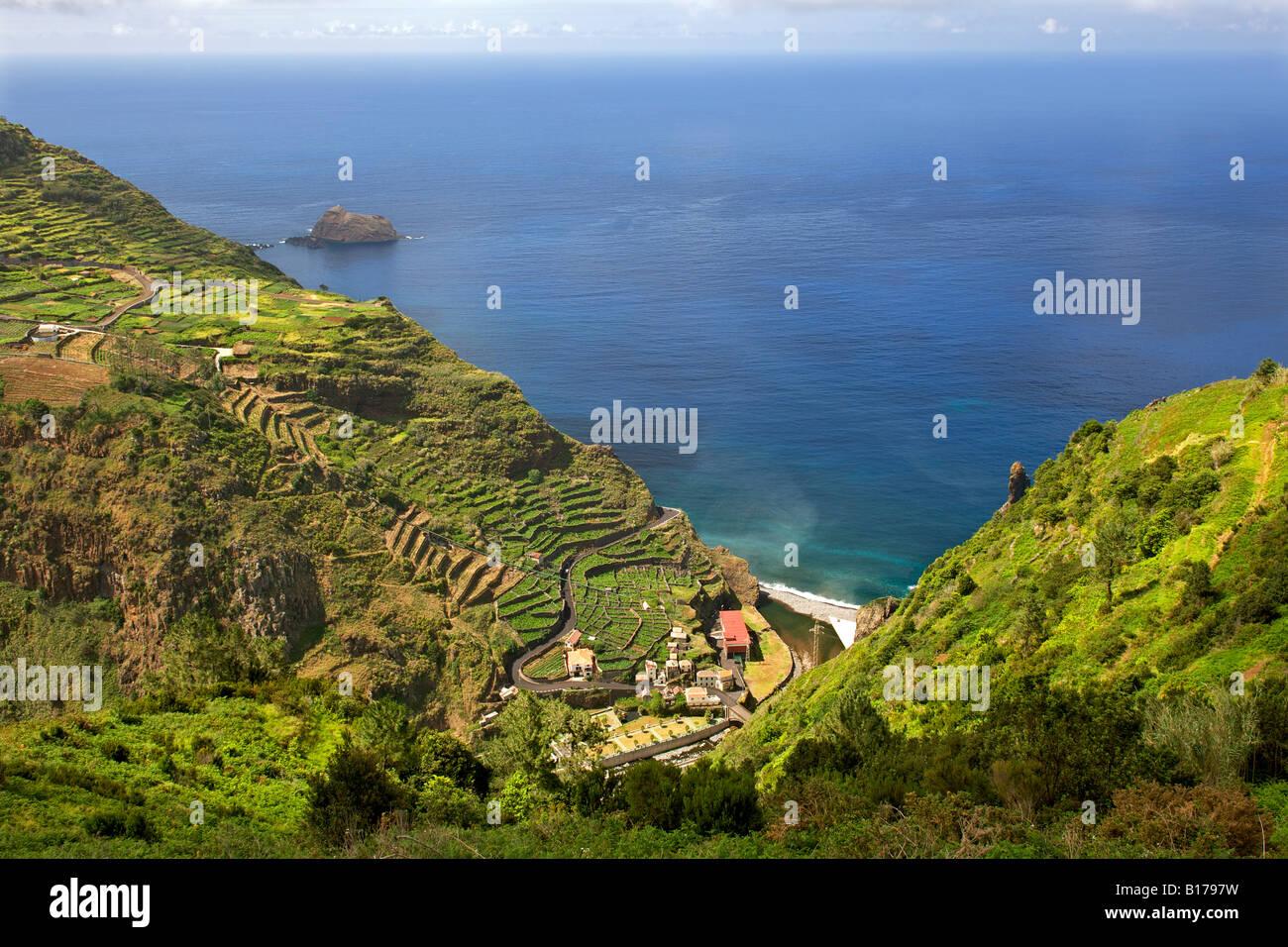 Paysage côtier à Ribeira da Janela sur l'Atlantique Portugais île de Madère. Photo Stock