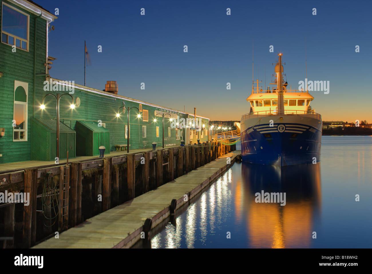 Front de mer d'Halifax et le Metro Transit Terminal- Halifax, Nouvelle-Écosse, Canada. Photo Stock