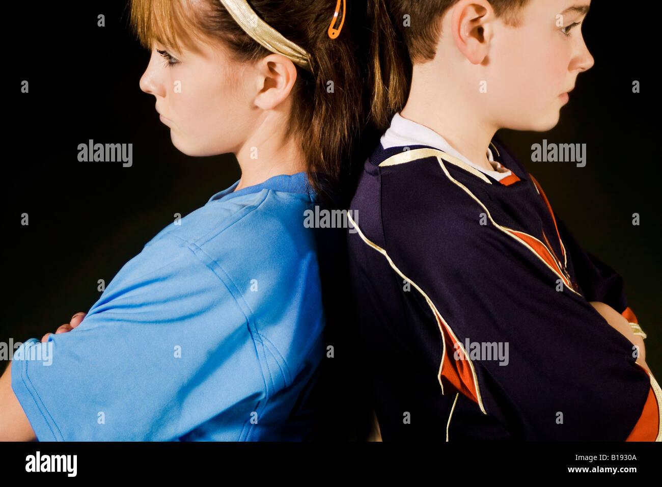 Deux adolescents en colère les uns avec les autres Photo Stock