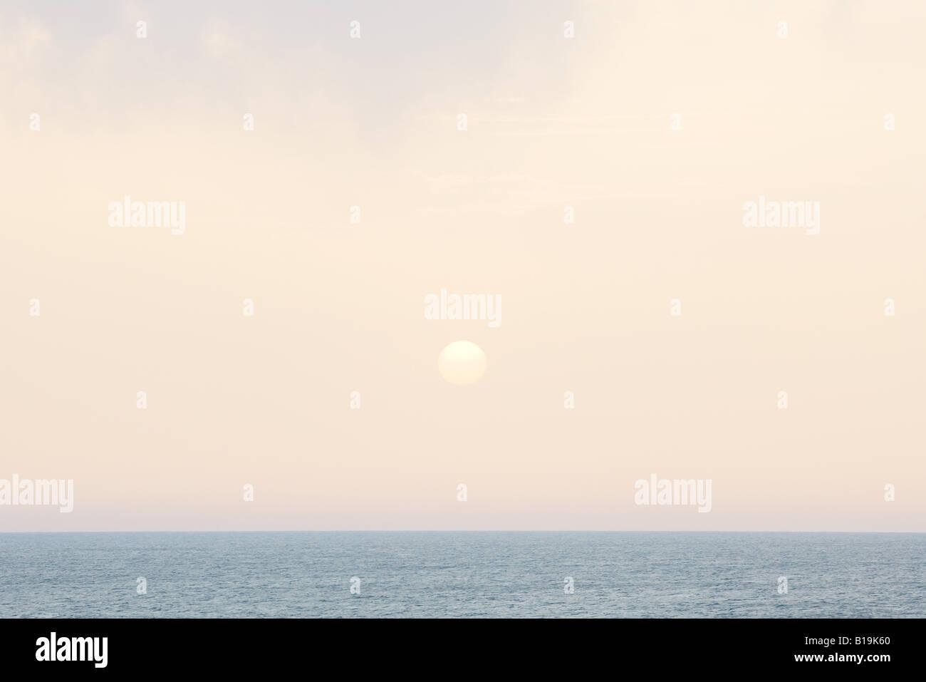 Lever de soleil sur seascape Photo Stock