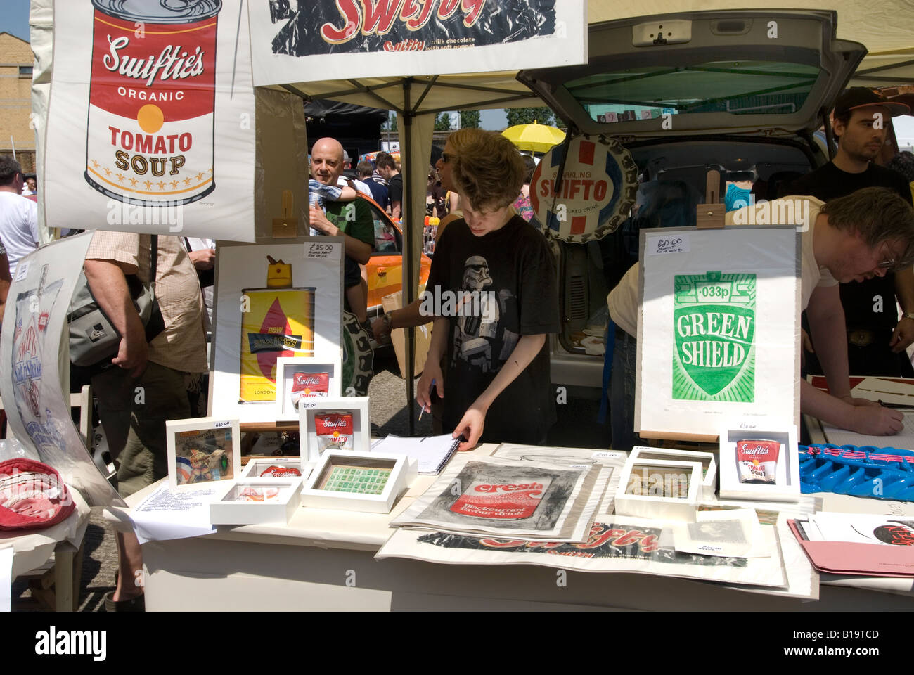 Art Vauxhall Car Boot juste à l'Old Truman Brewery .Green Shield stamps par Swifty de collectif Scrawl Photo Stock
