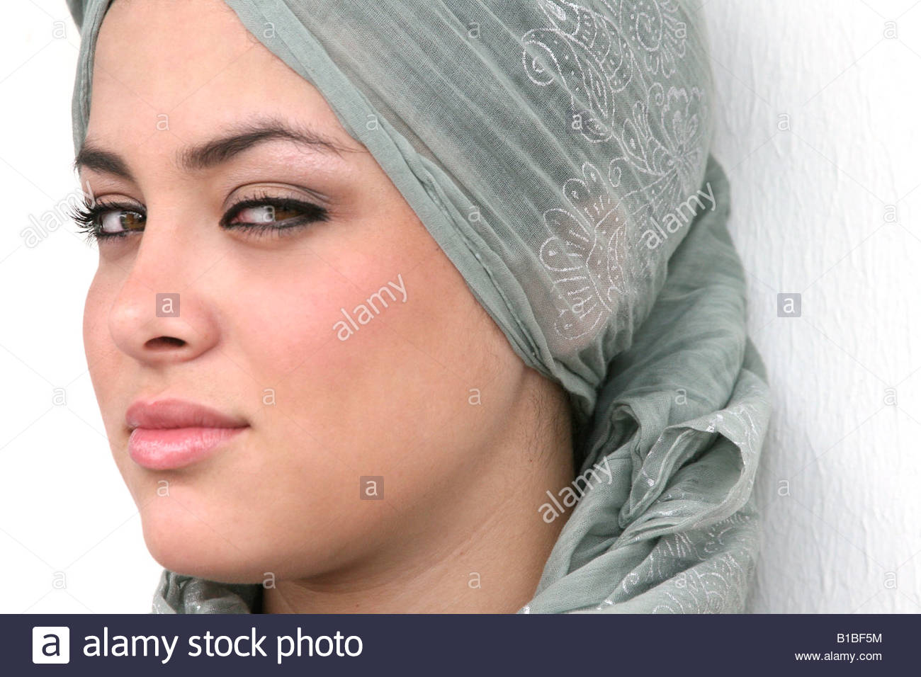 Asian Bouddhistes Musulmans Arabes Indiennes Fille Femme