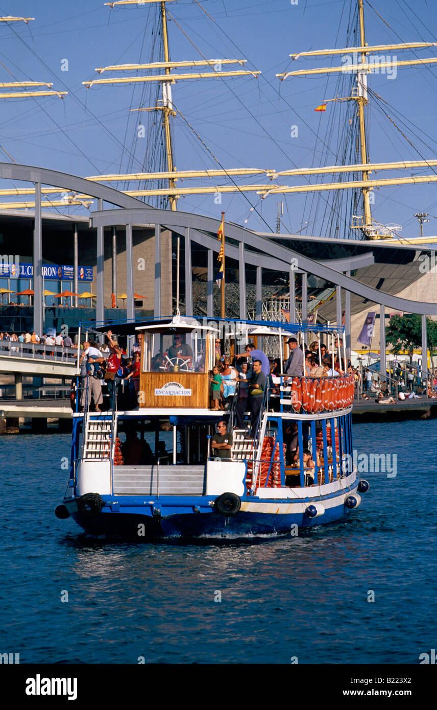 Voyage avec Golondrinas au Vieux Port Barcelone Catalogne Espagne Banque D'Images