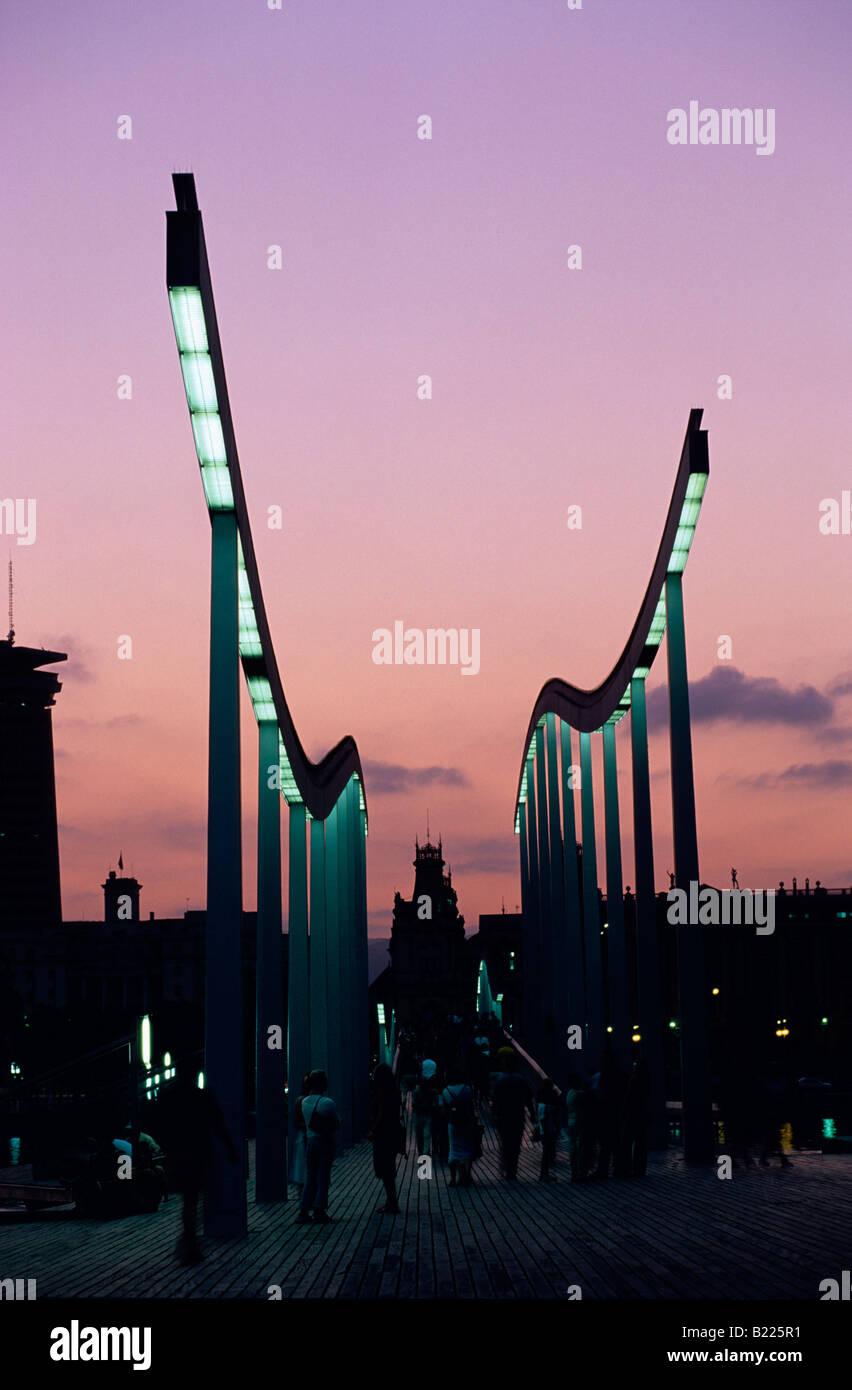Harbour Rambla del Mar Maremagnnum à nuit Barcelone Catalogne Espagne Banque D'Images