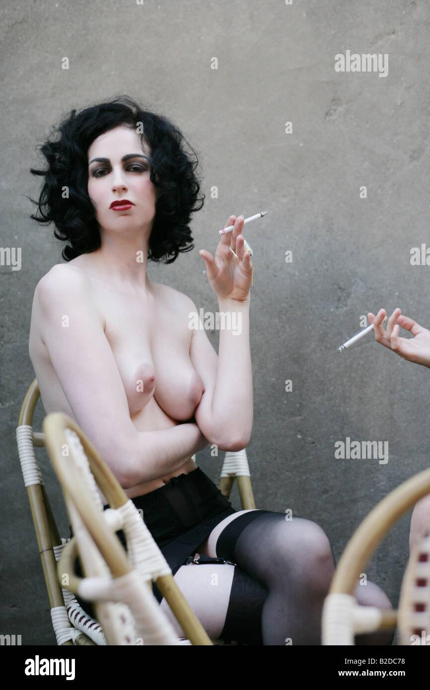 jeunes nus sexy femmes jouir vidéo porno